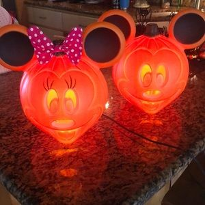 Disney Mickey and Minnie light up 🎃 NWT